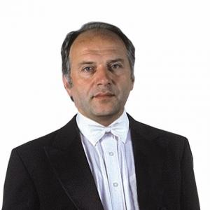 der Kapellmeister von Veselka im Salonanzug ...