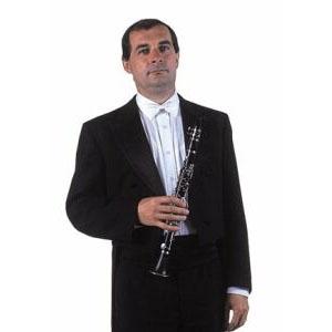 Miloš Bydžovský war Mitglied des Opernorchesters des Nationaltheaters in Prag. Während des Konzerts mit dem berühmten Opernsänger Placido Domingo spielte er sein Solo so glänzend, dass ihm der Tenor vom Podium aus dankte. Miloš Bydžovský starb im Jahr 2008.