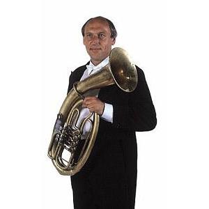 Karel Melíšek unterrichtet Akkordeon am Konservatorium für Sehbehinderte, mit Veselka spielt er Bariton. Mit Jirka Sailer hat er zahlreiche Solokompositionen für dieses Instrument aufgenommen.