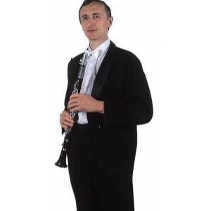 Klarinetista Petr Svoboda je učitelem hudby. Pochází z jihočeského Tábora a s kapelníkem se zná nejdéle. Jezdili spolu vlakem do Roudnice nad Labem do vojenské hudební školy. Petr je tak dobrý, že často hostoval při koncertech světově známé kapely Ernsta Mosche.