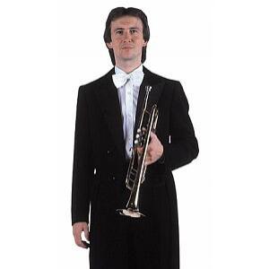 Antonín Pecha nosí frak, když hraje v České filharmonii. Ve Veselce působil od jejího založení do roku 2005.