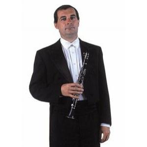 Miloš Bydžovský byl členem orchestru Opery Národního divadla. Při koncertu s proslulým zpěvákem Placido Domingem zahrál tak skvělé sólo, že mu tenorista přišel na pódiu poděkovat. Miloš Bydžovský zemřel v roce 2008.